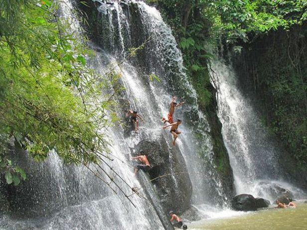 attraction-Cha Ong Waterfall 1.jpg