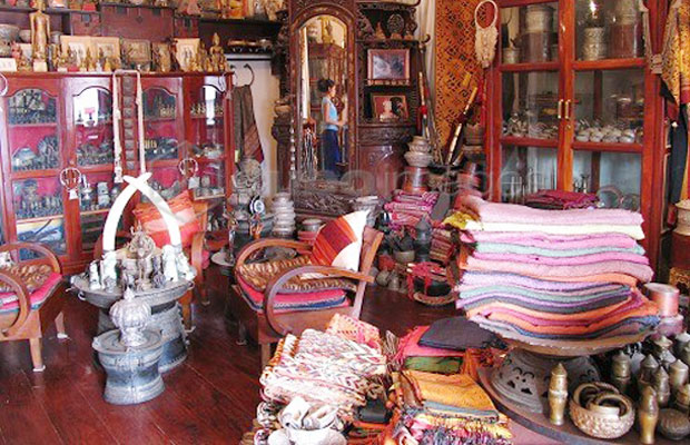 Laos Private Tours | Laos Shopping Tips