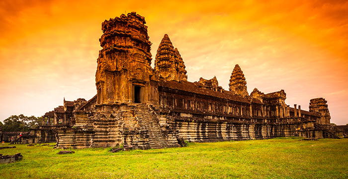 13-Day Cambodia and Vietnam Tour With Toum Tiou Cruise